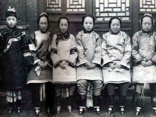 6 women sitting